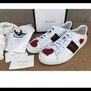 Gucci sneakers very clean size 7